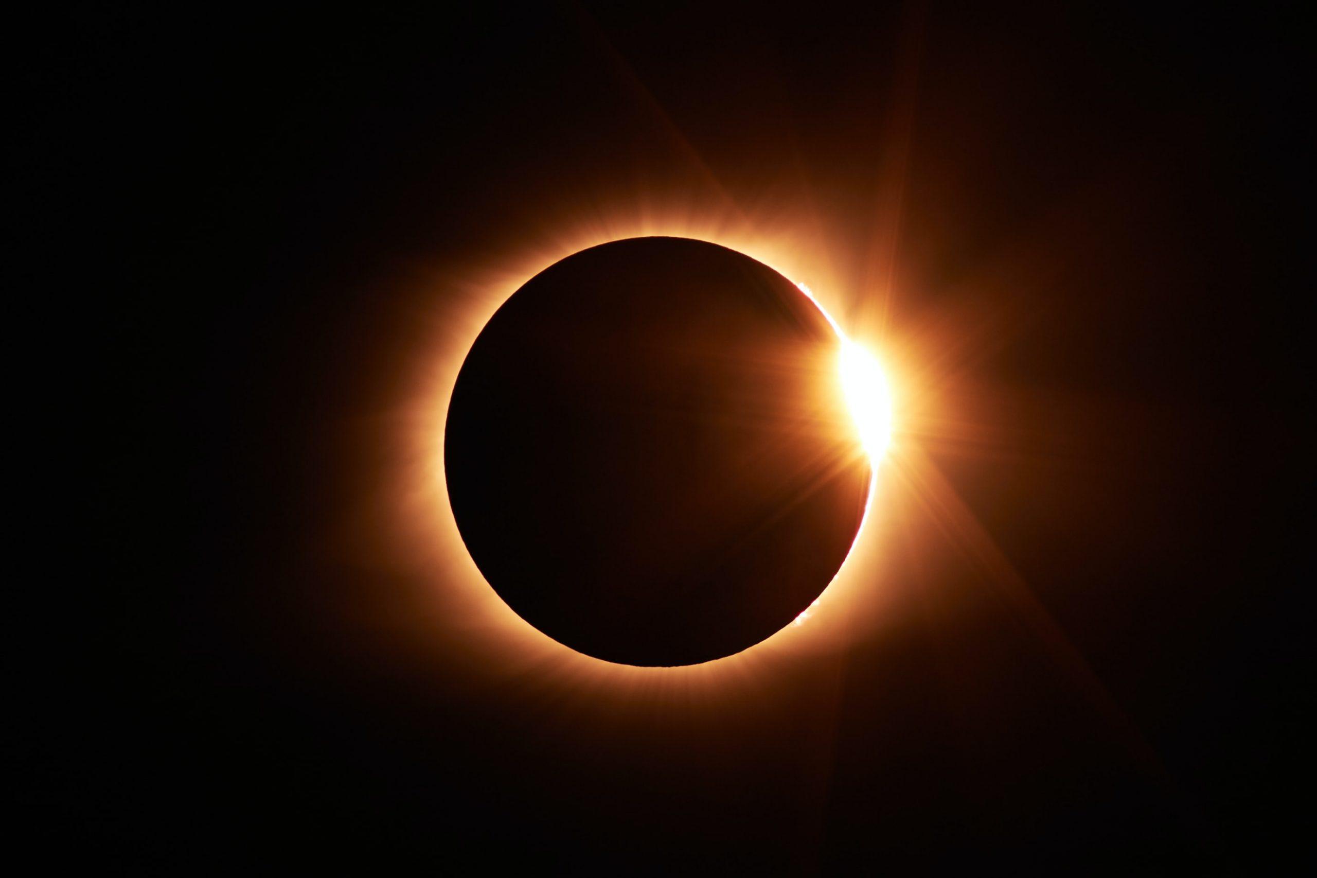"Photo by <a href=""https://unsplash.com/@sarahleejs?utm_source=unsplash&utm_medium=referral&utm_content=creditCopyText"">Jongsun Lee</a> on <a href=""https://unsplash.com/s/photos/solar-eclipse?utm_source=unsplash&utm_medium=referral&utm_content=creditCopyText"">Unsplash</a>"